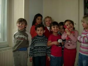 Elisa, Louise, Cyril, Samuel, Fadel, Mona, Zahra & Anouk